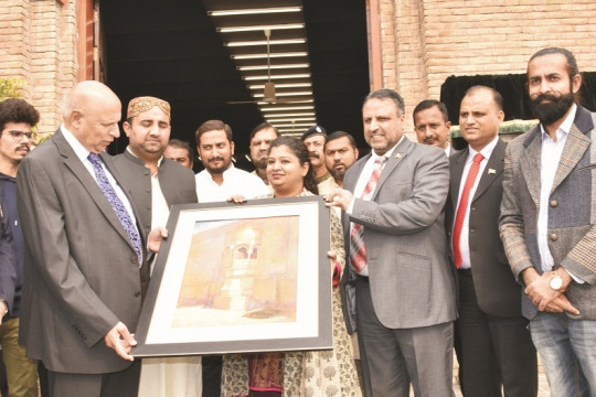 Governor Punjab Ch. Muhammad Sarwar during inauguration of Hakra Art Gallery
